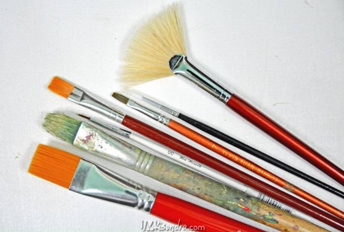 Artist brushes for acrylics
